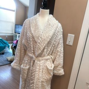 Soma luxe robe